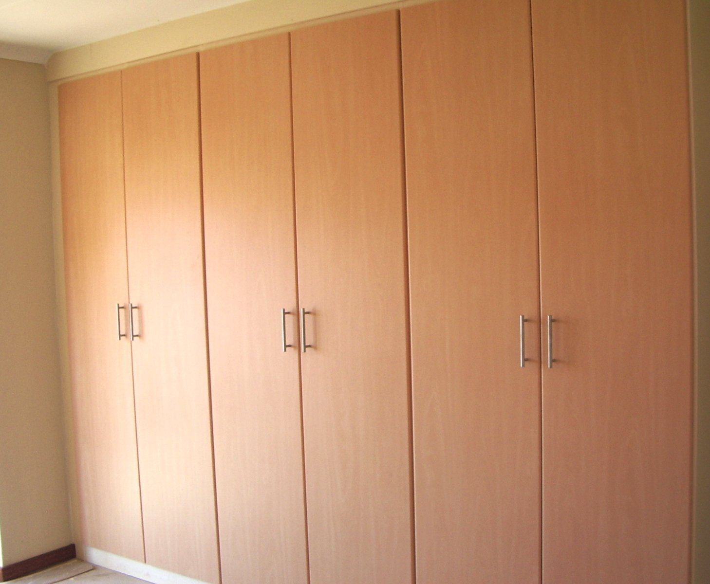 CUPBOARDS DIRECT - KITCHENS of DISTINCTION